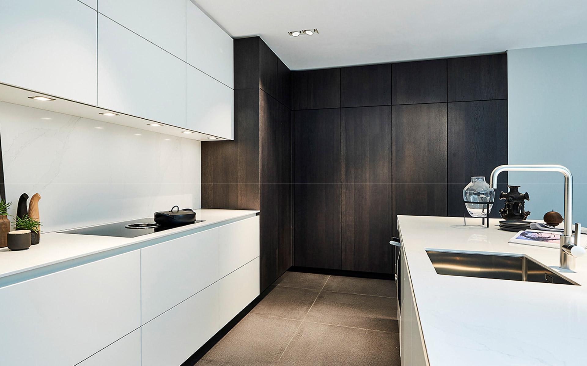 poggenpohl cuisine design allemand cannes. Black Bedroom Furniture Sets. Home Design Ideas